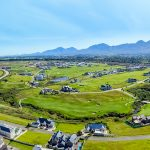 Outeniqua_Mountains_backdrop_to_the_Kingswood_Golf_Estate_in_George